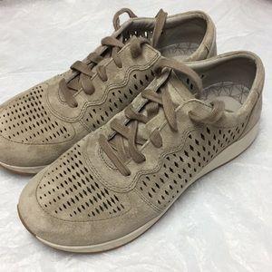 Dansko walking shoes size 9 excellent condition